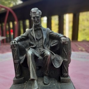 Hudson Pewter Figurine in: #200 Abraham Lincoln